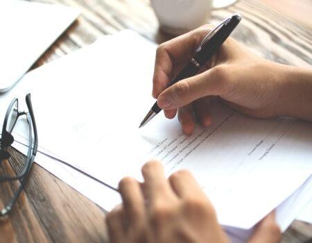 Presentare le dimissioni volontarie: i tempi, le regole e le modalità